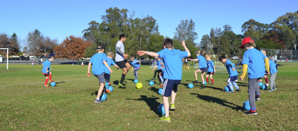 blue mountains soccer football skills programs and school holiday workshops fusion football glenbrook blue mountains