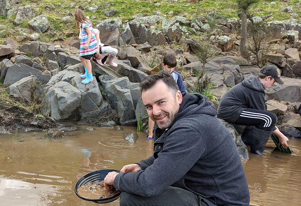 Sofala gold panning, near Bathurst, kids, Turon River