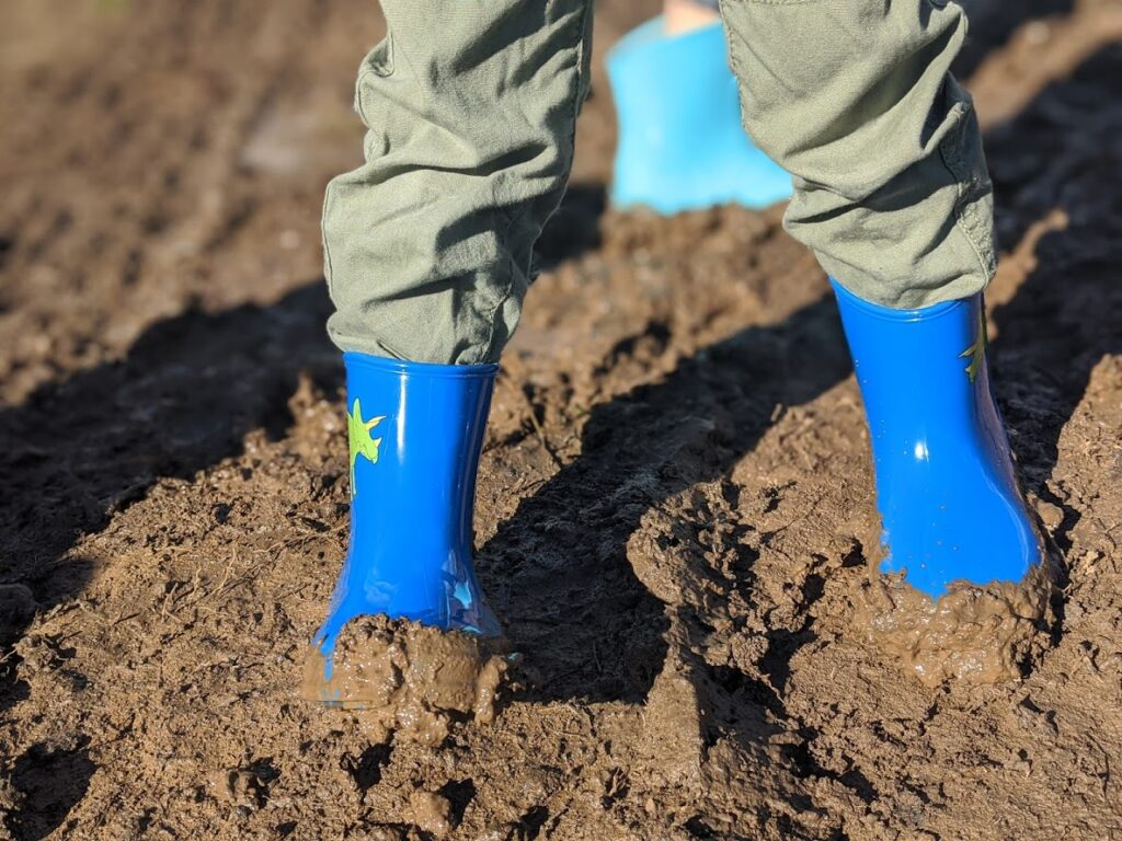 Sofala gold panning, near Bathurst, wear gumboots - it's muddy