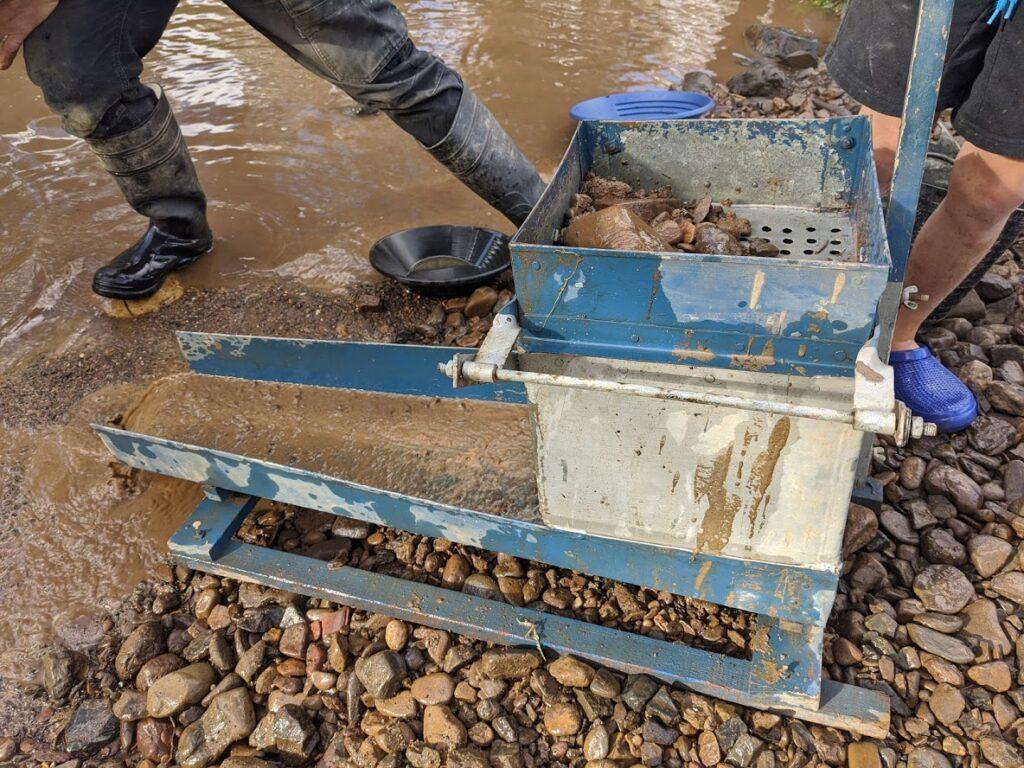 rocker box, Sofala gold panning, near Bathurst