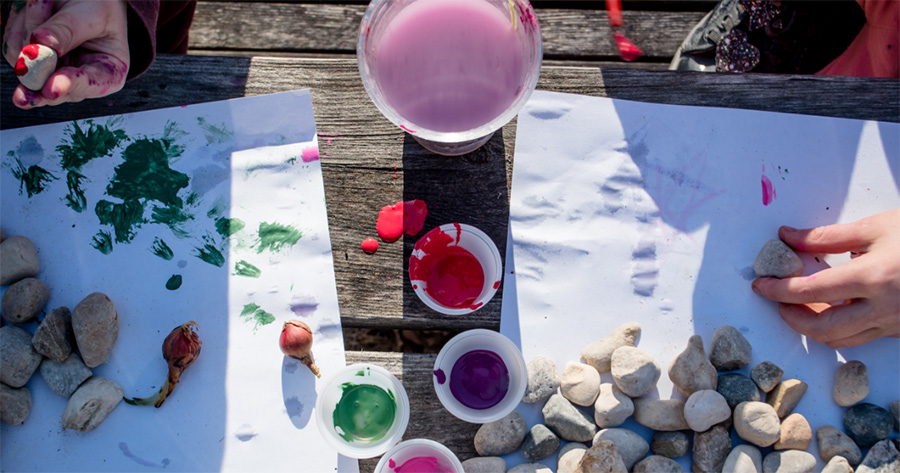 fun craft painting idea for children at bush playgroup in the Blue Mountains