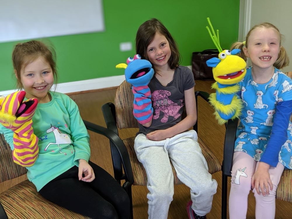 kids can act blue mountains national park kids with puppets