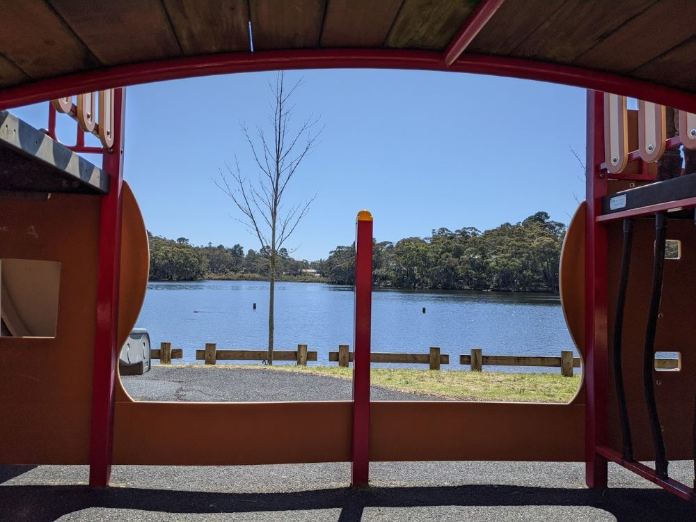 wentworth falls lake from pirate ship park