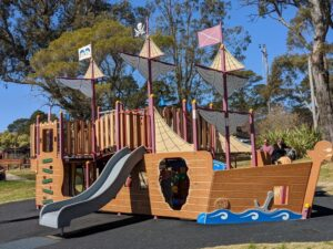 wentworth falls lake pirate ship park