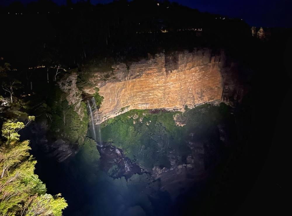 katoomba falls reserve night lit walk
