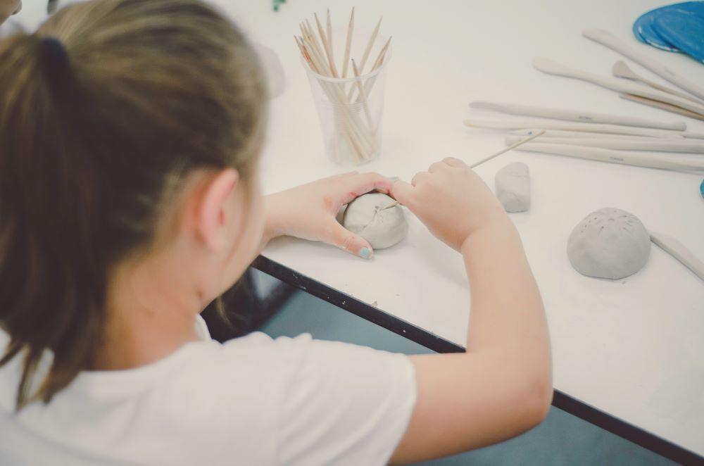 penrith regional gallery school holidays art workshops