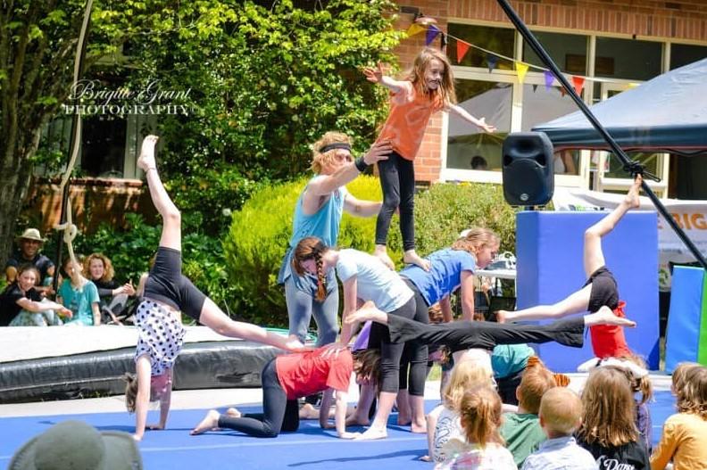 classes in the blue mountains term 4 bah hah circus blackheath