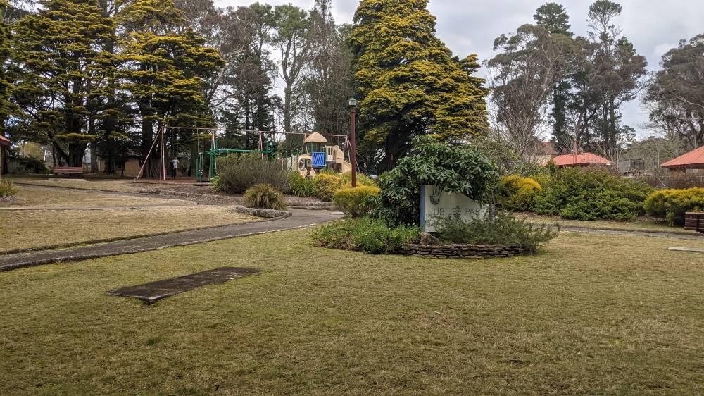 Jubille Park Blackheath bike path and playground