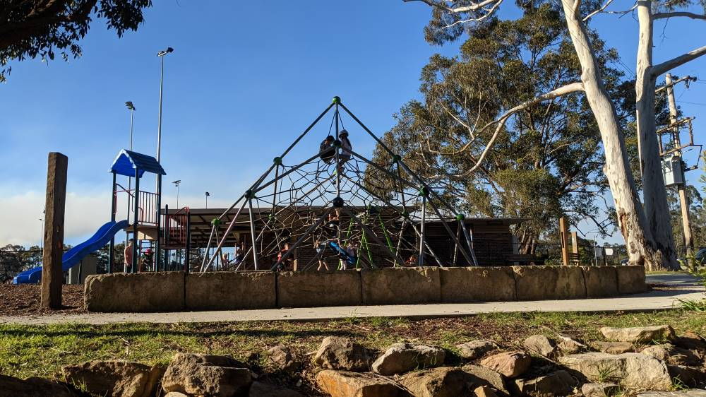 Summerhayes Park Winmalee large climbing frame for children