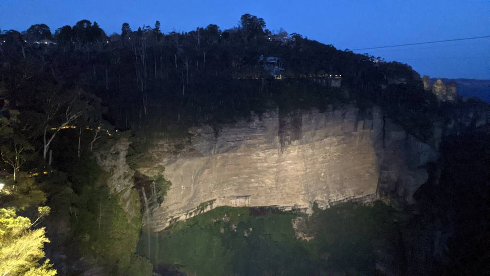 Things To Do In The Blue Mountains katoomba falls night lit walk