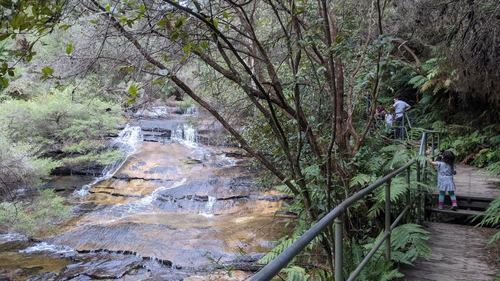 leura cascades round walk waterfall